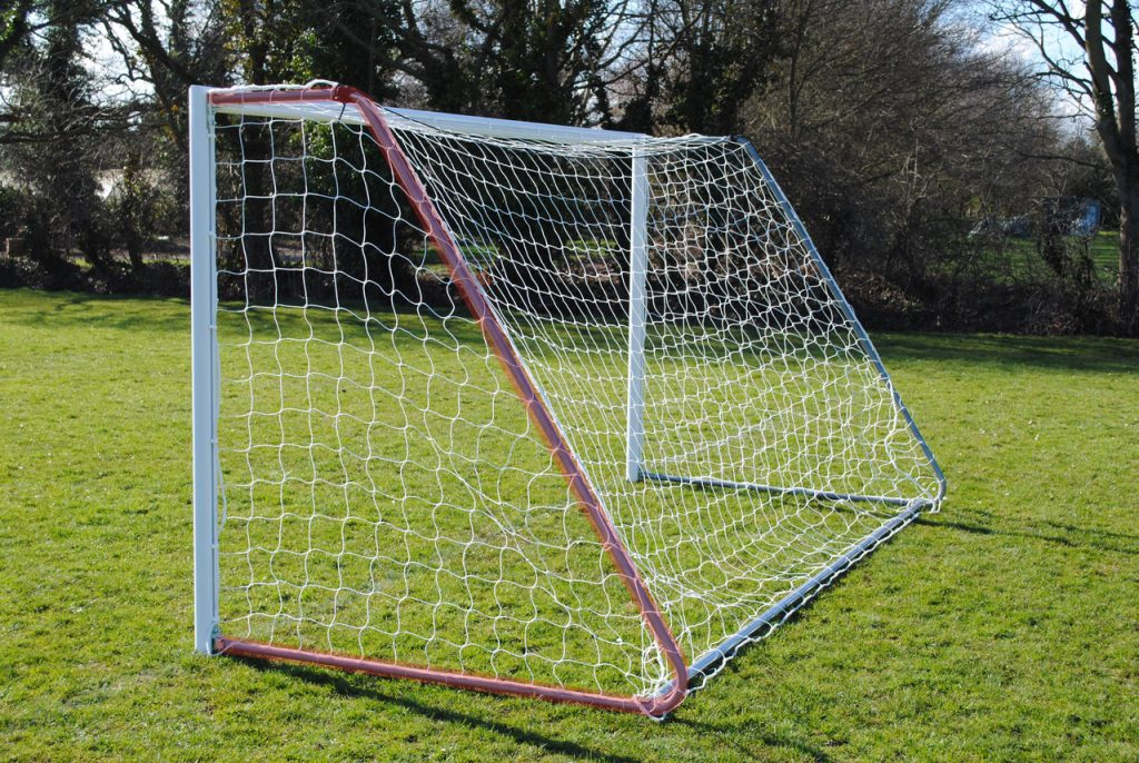 Net Supports for Folding Goal
